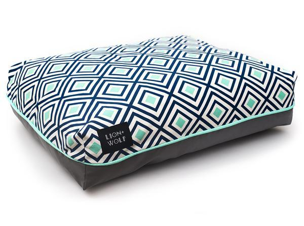 Designer geometric dog bed side grande