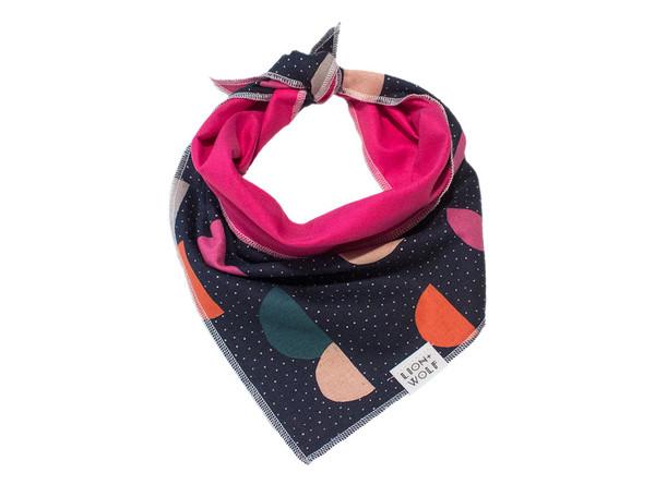 Pebbledash dog bandana tied