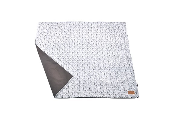 Luxe throws snuggle husky gray 1.1 web 1