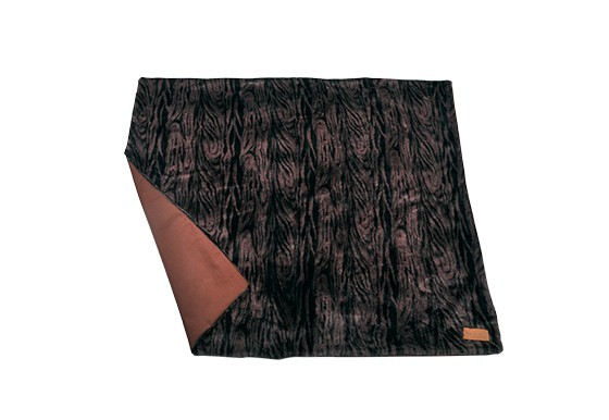 Luxe throws snuggle truffle brown 1.1 web 1