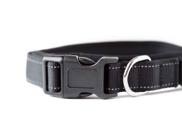 Black sports collar 4