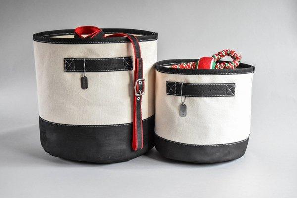 Black bins b2 1 sm 2048x
