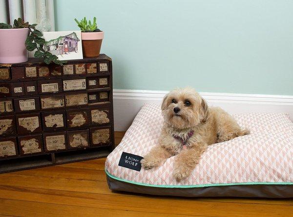 Gem pink dog bed